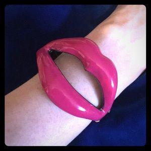 Funky spring clasp pink lips bracelet